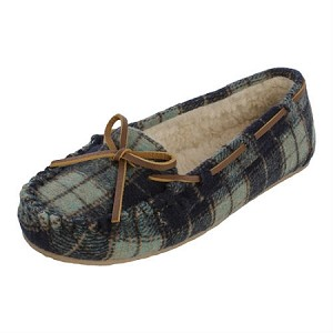 Minnetonka Moccasins 4414 - Women's Plaid Cally Slipper - Pile Lined - Navy Flannel