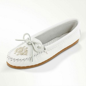 Minnetonka Moccasins 54 - Women's Deerskin Beaded Moccasin - White